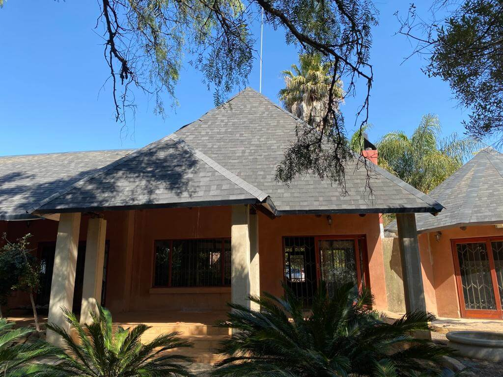 thatch-roof-pretoria-after-front